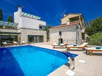 Newly built, modern Villa Kina with Pool, Sauna and Jacuzzi near Pula