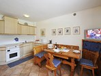 Dining area - there is a dishwasher