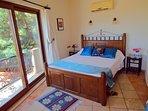 Second master bedroom with en suite bathroom