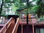 Blue Lake Springs MARTIN'S PINES Cabin has a Rec Room & huge Deck Space