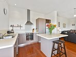 The fully equiped modern kitchen.