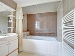 En-suite bathroom with whb and toilet