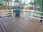 Large deck with BBQ and equipped kitchen