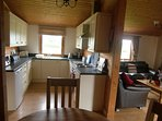 Lovely country kitchen fully equipped.