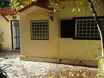 cottage poerio è una struttura indipendente, a due passi dalla strada senza scale ne ostacoli