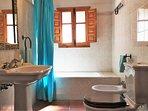 Badkamer in het hoofdgedeelte