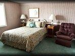 queen room, level 1