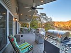 The furnished balcony provides one-of-a-kind views of Norris Lake, and includes gas grills for ideal barbecues.