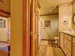 'Upstairs Full Bathroom'