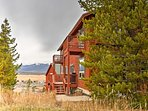 Experience phenomenal mountain views when you stay at this Fraser vacation rental townhome!