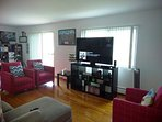 Large 2 BR 1 BR Apartment 20 mins from DT Chicago