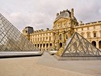 'The Louvre' is at 10 mn walking from the apartment
