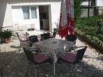 A1(8+1): terrace