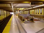 Wilson subway stn in 10 mins walk or 2 mins by buses 96, 160, 165. Buses're free if used with subway
