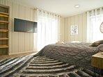 Third suite room