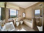 Master Bathroom en-suite to Master Bedroom 'Pareto'