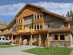 This beautiful townhouse is located in a quiet village of mountainside homes at Kimberley Alpine Resort