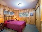 Master Bedroom (Queen bed) with En Suite Bathroom - Main level