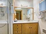 3/4 Bathroom access through Bedroom 2