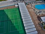2 tennis courts, for times when sea activities are not enough of the recreation!