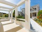 DAFNI-Superior Apartment with Balcony and Garden View - Spacious Balcony Prime Garden View