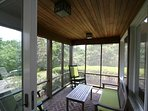 Screened Porch off of Breakfast Room