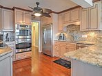 All appliances necessary can be found in the fully equipped kitchen.