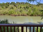 Favorite Riverfront Getaway, Spa, Kayaks