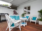 entertain group with seating for 11 in patio outdoor room
