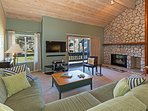 Snowcreek #566 - Living room with fireplace