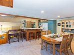 Snowcreek #566 - Kitchen and dining area