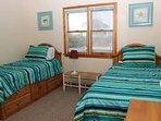 Bedroom,Indoors,Room,Sink,Blanket