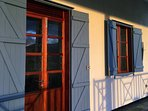 Koraya Lodge - traditional wooden doors and shutters