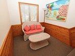 Chair,Furniture,Room,Bedroom,Indoors