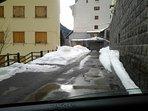 Calle entrada a garage