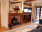 Large lounge with woodburner, widescreen tv, Sky+, wifi, underfloor heating etc