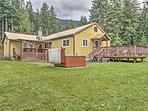 A rejuvenating retreat awaits you at this lovely Ashford vacation rental cabin!