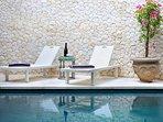 New Bali Villa Salted-Water Pool 2 Bed Tropical Oasis - in the heart of Seminyak