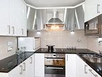 Kitchen - Double-oven, ceramic hob, microwave oven, dishwasher