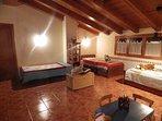 Sala polivalente dormitorio y sala de juegos