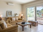 LMG Villas: middle level living room