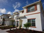 Beautiful End Unit Town Home In Champions Gate Resort