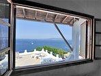 Vista dalla finestra panoramica del soggiorno trasformabile della Villa VIOLA.