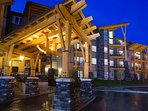 This new, upscale resort is located at the base of Kicking Horse Alpine Resort