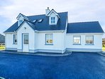 INIS BARRA, sea views, spacious detached house, ground floor bedrooms and bathro