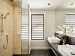 4 en-suite designer bathrooms