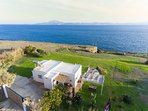 Spectacular Romantic Getaway, Amazing views and location! Aerial view of the house and its location.