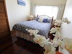 bedroom 1 - queensize