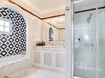 En suite, Wc, bath, separate shower, basin.