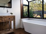 Green Gully House - Bathroom